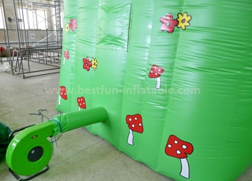 Inflatable fun land slide