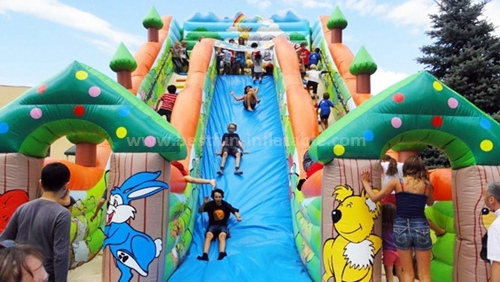 Inflatable kids slide for party use