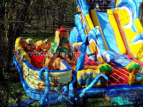 Multi slides inflatable playground
