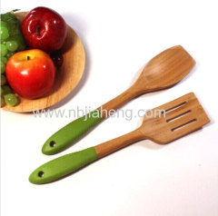 Natural bamboo spoons in grade A with logo design available