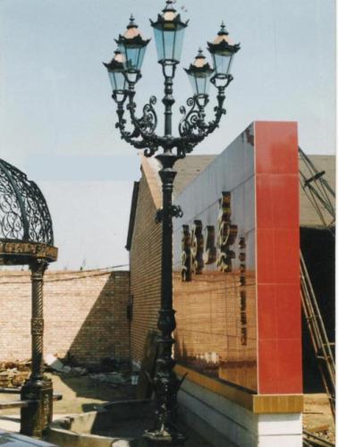 decorative antique cast iron garden lamp post