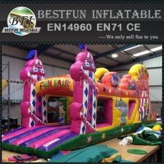 Funfair playground miúdos inflável obstáculo curso