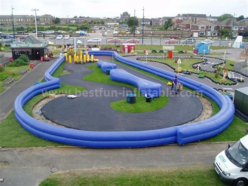 Durable inflatable race track for car