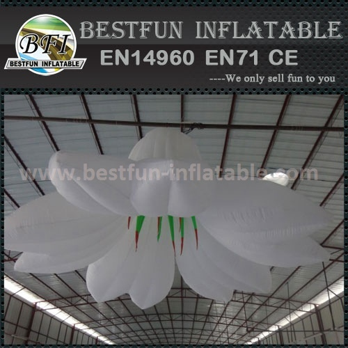 Hanging giant inflatable flower model