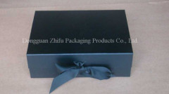 Foldable magnetic closure gift box with ribbon