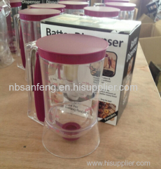 Cake batter dispenser with measuring label batter separator