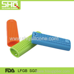 Flexible heat insulation silicone pot handle
