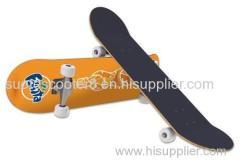 skate board / 4 wheel wood skateboard