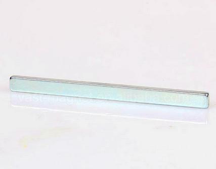 Sintered N52 Neodymium Magnets Block Fridge Magnets 20x10x2mm