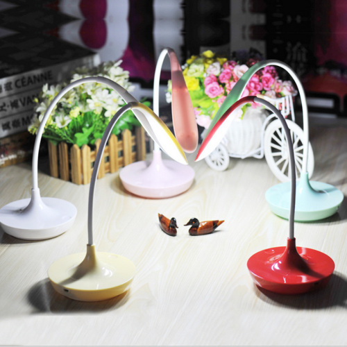 Students learn eyeshield Creative USB charging dimmable LED energy saving desk lamp