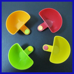 4 PCS Kitchen Tool Plastic Dip Clips Colorful Bowl Clips Mini Plate Sauce Clips
