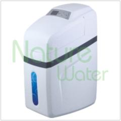Automatische waterontharder met micro-regelklep