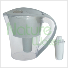 Water Pitcher with carbon cartridge inside