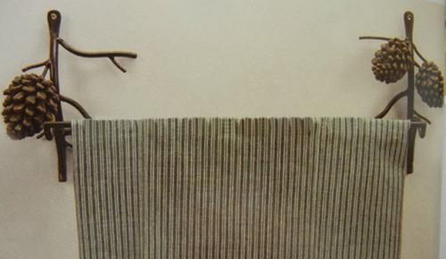 Towel hanger with single tube metal material