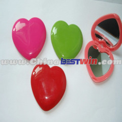 Heart shape colorful plastic pocket mirror