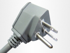 Plug the power cord for use in the USA and Europe
