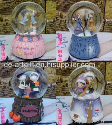 High quality resin customized snow globe water globe