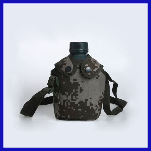 2013 New men's fashion Exercise gym camouflage the outdoor pockets of multi-functional kettle travel bag