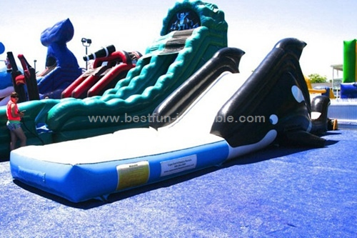Backyard toddler inflatable water slide