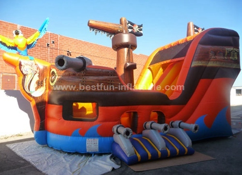 China Inflatable Big Pirate Ship Slide