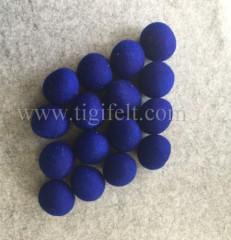 blue color wool laundry balls