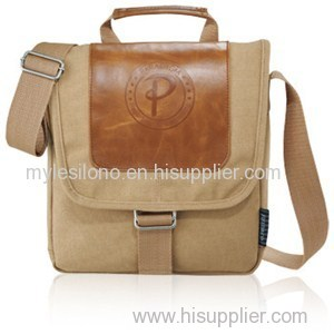 Field And Co.Cambridge Collection Bulk Tablet Messenger Bags