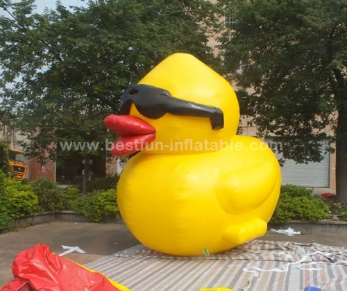 PVC water proof Promotion Giant Inflatable yellow Duck