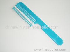 青色のプラスチック専門の櫛