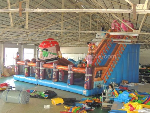 Pirate inflatable movable playground spongebob giant inflatable bouncers