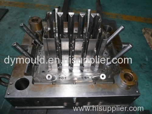 Plastic turnover box mould for beer