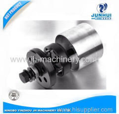 Bushing installation tool for heavy duty truck