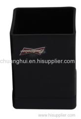 monocromatica contenitore quadrato penna