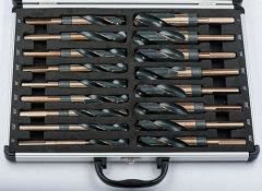 "17pcs 1/2"" shank drill bits set 1/2""-1"" in aluminum case"