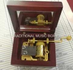 WINE HAND CRANK WOODEN MUSIC BOXES