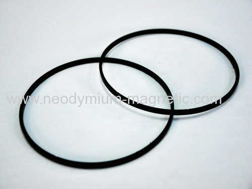 Injection ferrite multi-polar magnetic ring for automobile sensor