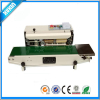 Plastic bags sealing machine