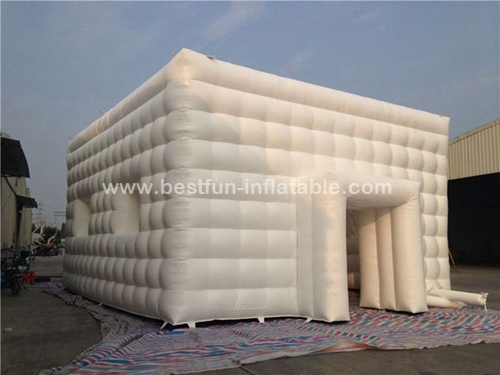 Gigantic white outdoor inflatable tents for playground
