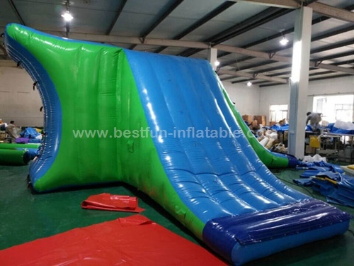 Giant inflatable floating water action tower for water park