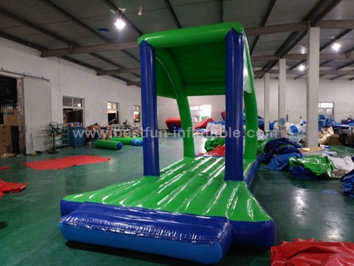 Inflatable finish start line on water use