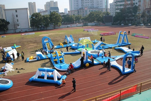 Inflatable Floating Obstacle Course For Children