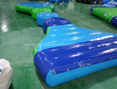 Inflatable pontoon used for inflatable floating bridge