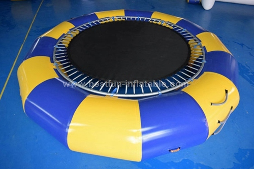 Round Inflatable Water Trampoline With Spring Structure