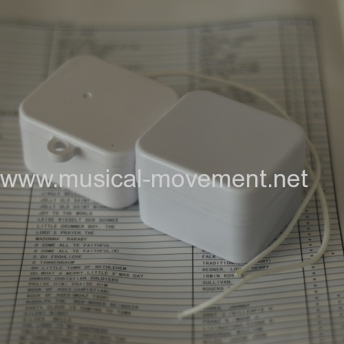 WITH HOOK 18 NOTE PULL STRING MUSICAL BOX
