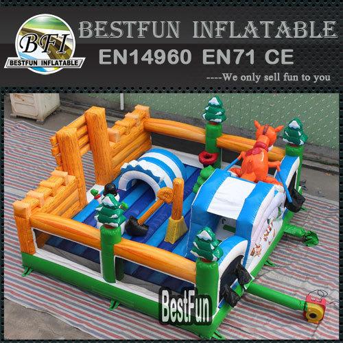 Winter christmas theme inflatable park