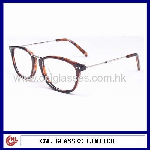 Thin custom optical frames with metal bridge and metal temples