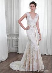Tulle V-neck Neckline Natural Waistline Sheath Wedding Dress With Lace Appliques