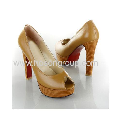 Brown peep toe chunky heel shoes