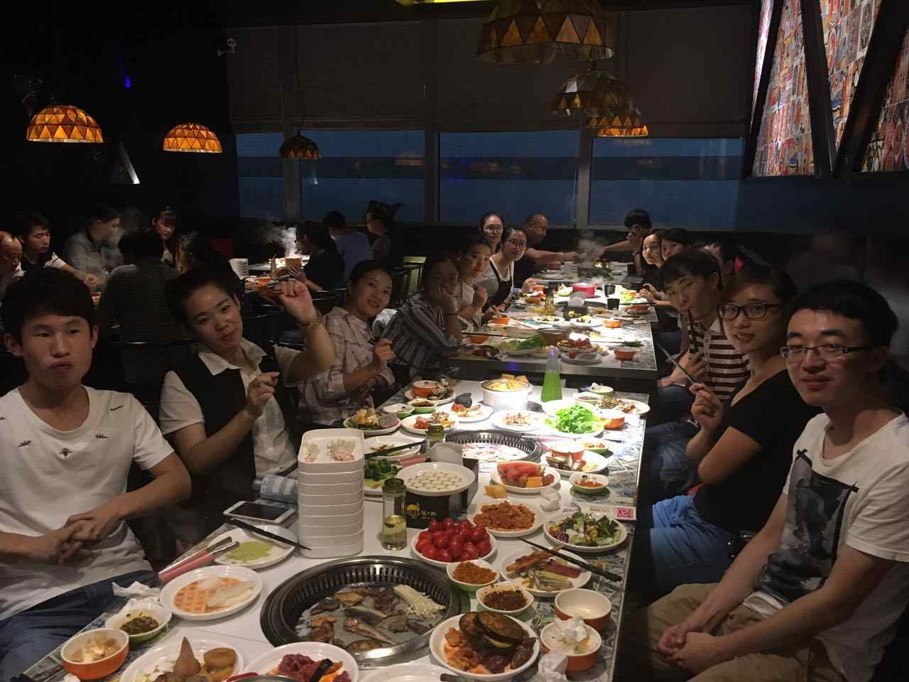 Gemfan dine together in Mid-Autumn Festival Eve
