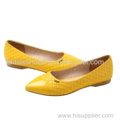 comfortable yellow color leather and patent leather upper flat women dress shoes