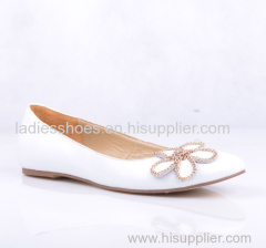 white color patent leather pull on ladies flat fashion shoes with flower